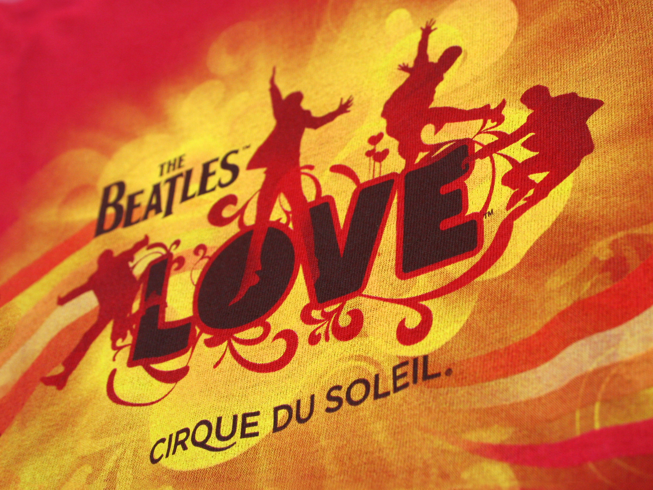 Articles promotionnels spectacle The Beatles Cirque du Soleil